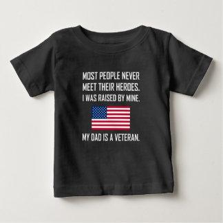 T-shirt Pour Bébé Héros de rassemblement mon papa un vétéran