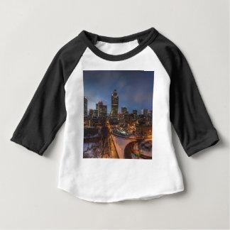 T-shirt Pour Bébé Horizon de nuit de Montréal