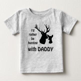 T-shirt Pour Bébé Je chasserais plutôt avec l'oncle de grand-papa de
