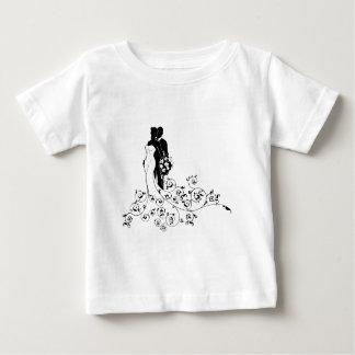 T-shirt Pour Bébé Jeunes mariés épousant la silhouette nuptiale de