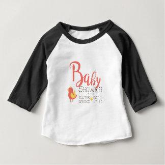 T-shirt Pour Bébé Joueur de basket accrochant sur l'autocollant