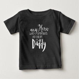 T-shirt Pour Bébé La citation de papa de combat badine la pièce en t