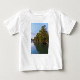 T-shirt Pour Bébé Lac Springfield morning d'automne
