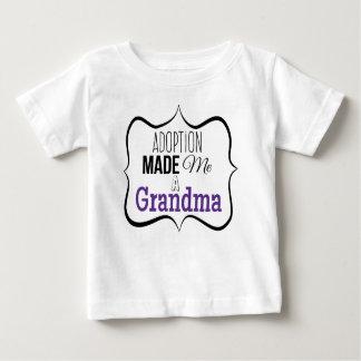T-shirt Pour Bébé L'adoption m'a fait une grand-maman