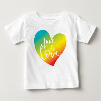 T-shirt Pour Bébé L'AMOUR EST le lettrage blanc de coeur
