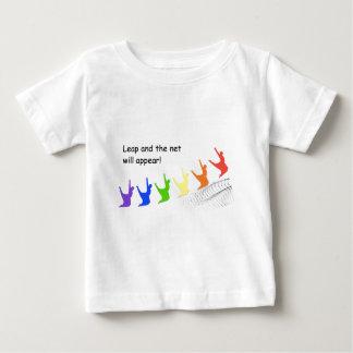 T-shirt Pour Bébé Le saut et le filet apparaîtront