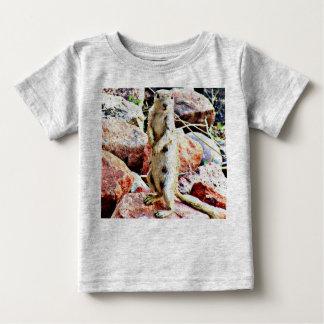 T-shirt Pour Bébé Le tee - shirt de l'enfant d'écureuil moulu de