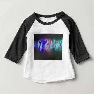 T-shirt Pour Bébé L'obscurité entoure les montagnes