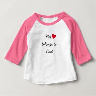 T-shirt Pour Bébé Mon coeur appartient au raglan rose de base-ball