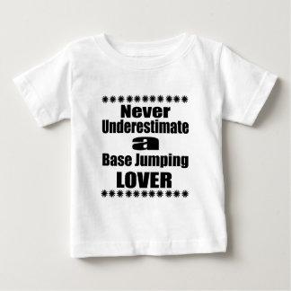 T-shirt Pour Bébé Ne sous-estimez jamais l'amant sautant bas