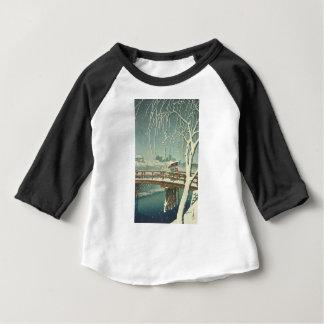 T-shirt Pour Bébé Neige au paysage d'art d'hiver de Hasui Kawase de