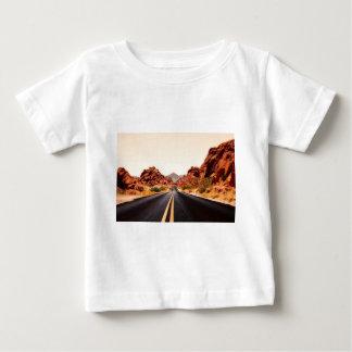 T-shirt Pour Bébé Paysage de voyage de route de route de montagnes