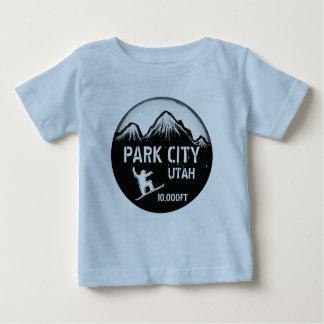 T-shirt Pour Bébé Pièce en t bleue de bébé d'art de surf des neiges