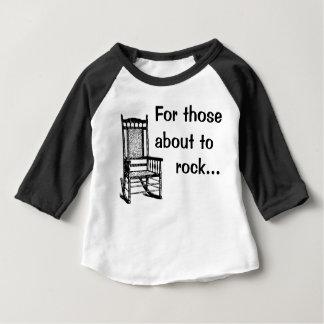 T-shirt Pour Bébé Pour ceux environ à la roche…
