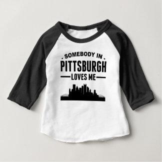 T-shirt Pour Bébé Quelqu'un à Pittsburgh m'aime