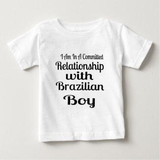 T-shirt Pour Bébé Rapport avec le garçon brésilien