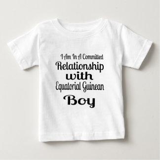 T-shirt Pour Bébé Rapport avec le garçon guinéen équatorial