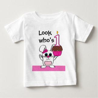 T-shirt Pour Bébé Regardez qui est 1 lapin et petit gâteau de fille