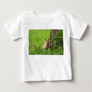 T-shirt Pour Bébé Renard mignon de bébé en photographie de printemps