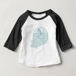 T-shirt Pour Bébé Sirène se reposant sur le dessin de bateau