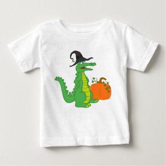 T-shirt Pour Bébé Sorcière d'alligator avec le citrouille de