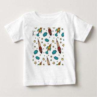 T-shirt Pour Bébé Spaceshuttle coloré en univers