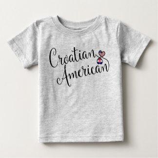 T-shirt Pour Bébé Tee - shirt croate de coeurs d'Entwinted