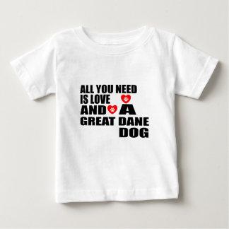 T-shirt Pour Bébé Tous vous avez besoin des conceptions de chiens de