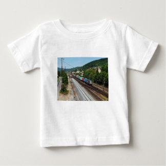 T-shirt Pour Bébé Train de marchandises dans les Gemünden au Main