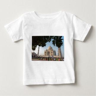 T-shirt Pour Bébé Visiteurs chez le Taj Mahal, Âgrâ, Inde