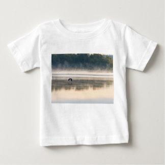 T-shirt Pour Bébé Vol brumeux de matin