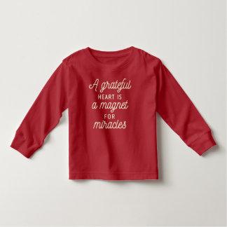 T-shirt Pour Les Tous Petits Aimant reconnaissant de coeur pour la chemise de