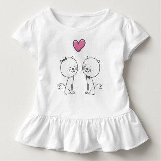 T-shirt Pour Les Tous Petits Chats romantiques simples dans la pièce en t de