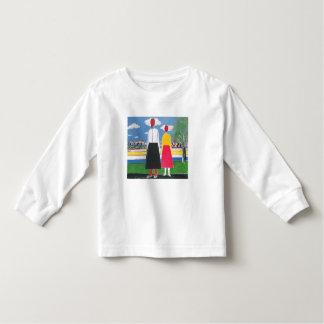 T-shirt Pour Les Tous Petits Deux figures dans un paysage par Kazimir Malevich