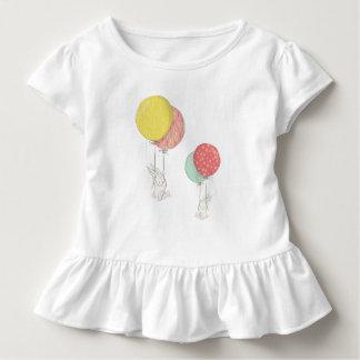 T-shirt Pour Les Tous Petits Deux petits lapins flottant avec des ballons
