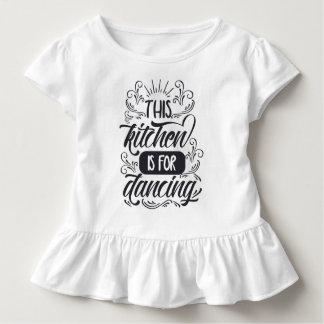 T-shirt Pour Les Tous Petits Drôle la cuisine est pour danser la pièce en t de
