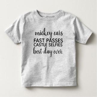 T-shirt Pour Les Tous Petits l'oreille de mickey jeûnent des passages