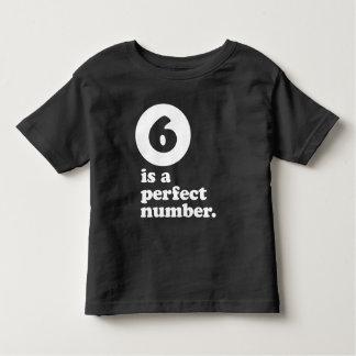T-shirt Pour Les Tous Petits six est une pièce en t d'anniversaire de nombre