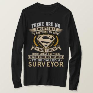 T-shirt Pour s'appeler un ARPENTEUR. Chemise de cadeau