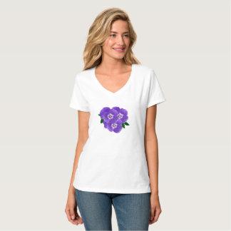 T-shirt pourpre de bouquet de la pensée des femmes