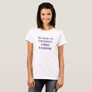T-shirt pourpre de lettre de guerrier fibro