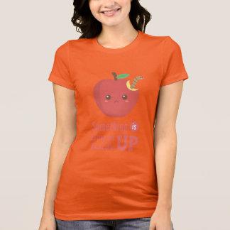 T-shirt Quelque chose me mange l'intérieur - Apple avec le