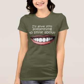 T-shirt Quelque chose sourire environ