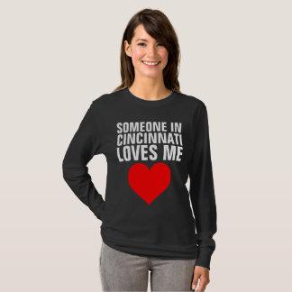 T-shirt QUELQU'UN à CINCINNATI M'AIME des cadeaux de
