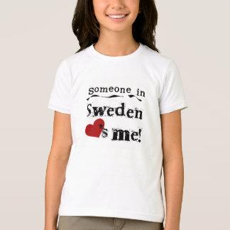 T-shirt Quelqu'un en Suède m'aime