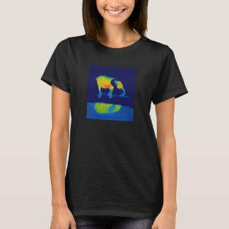 T-shirt Réflexion de piscine d'éléphant de forêt