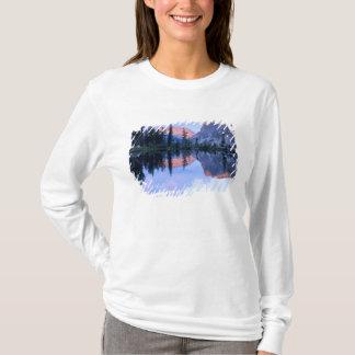 T-shirt Région sauvage de dent de scie, Idaho. LES