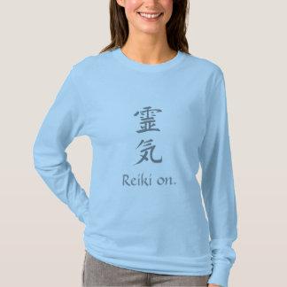 """T-shirt """"Reiki sur"""" la longue douille de dames"""