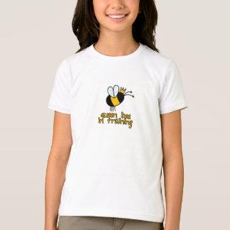 T-shirt reine des abeilles dans la formation
