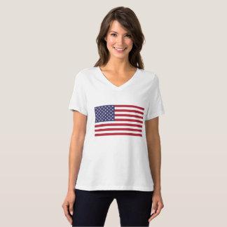 T-shirt Relaxed de V-Cou de drapeau de BellaCanvas